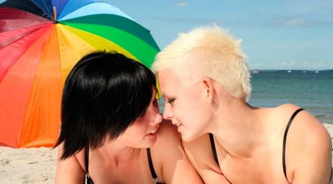 Amor entre mulheres